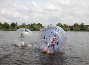 Yes! Ik loop over het water