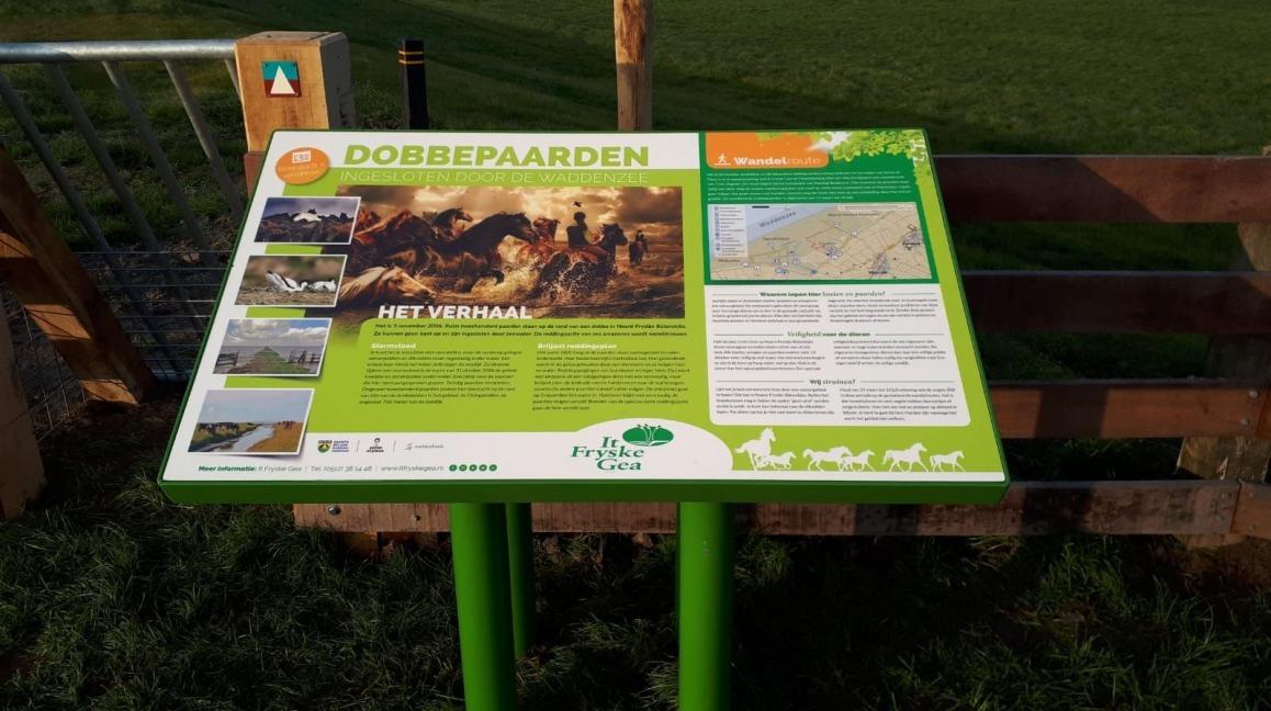 Informatiepaneel wandelroute Dobbepaarden