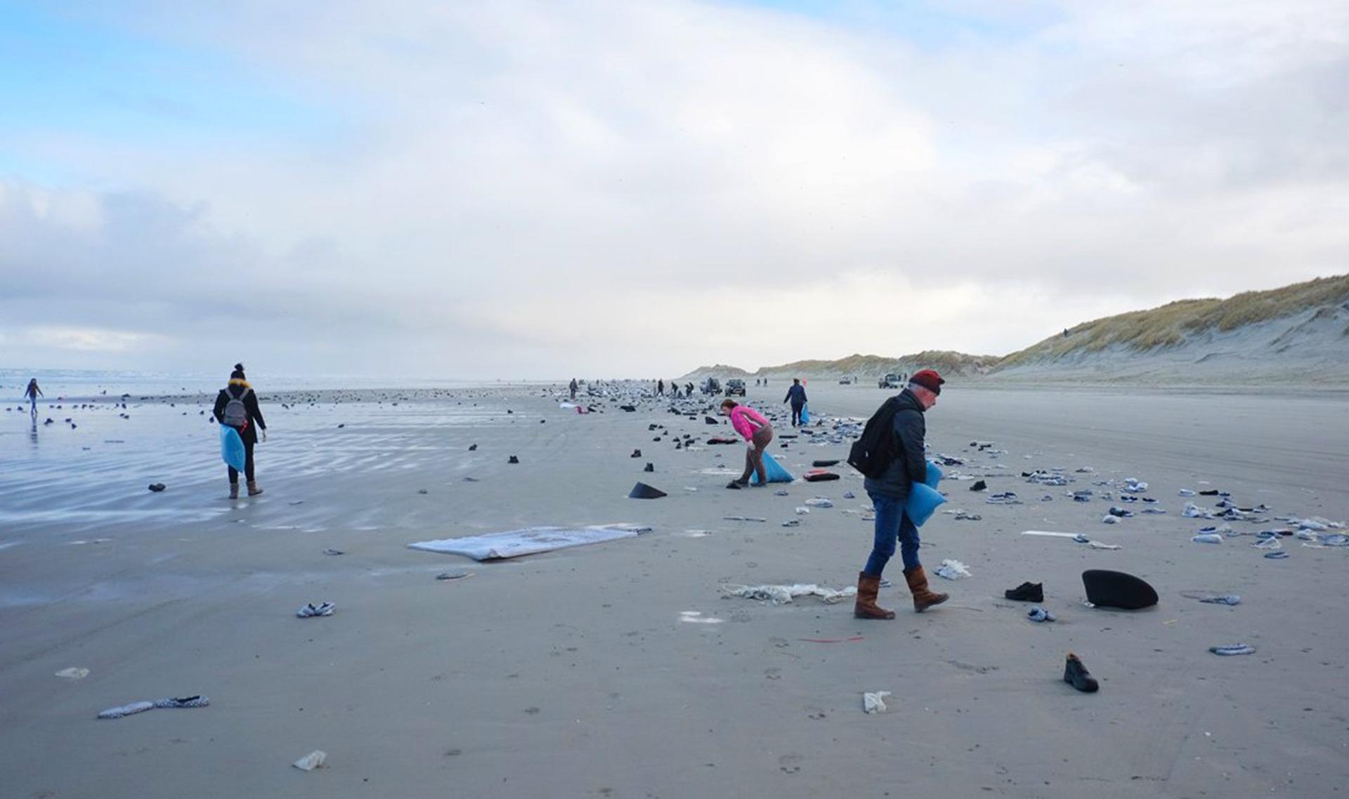 Ameland rommel containerramp Noordzee