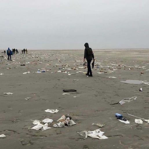 Strand vervuiling
